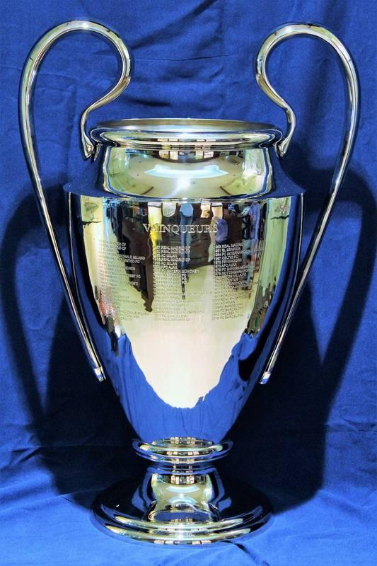 Select Ultimate Replica Champions League R/éplica