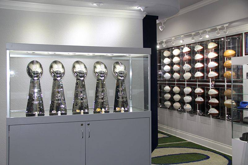 replica lombardi trophy save if you buy 4. Black Bedroom Furniture Sets. Home Design Ideas